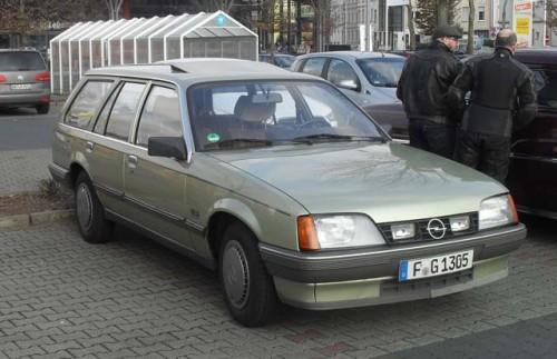 opel-rekord-d-caravan